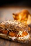 Sanduíche das pepitas de galinha Fotos de Stock Royalty Free