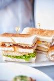 Sanduíche de clube clássico fresco e delicioso Fotos de Stock