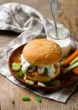 Sanduíche de peru do búfalo com sause do queijo azul Fotografia de Stock Royalty Free