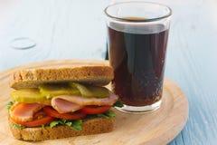 Sanduíche de presunto e vidro da cola Foto de Stock Royalty Free