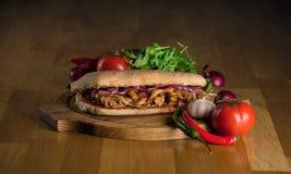 Sanduíche delicioso com ciabatta fotografia de stock