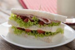 Sanduíche do presunto e do queijo Foco seletivo Fotografia de Stock Royalty Free