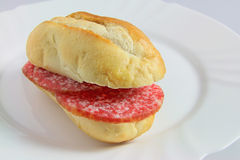 Sanduíche do salame imagem de stock