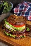 Sanduíche dobro com galinha e bacon Imagens de Stock