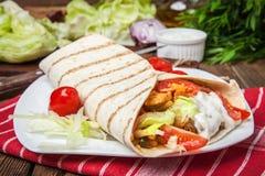 Sanduíche fresco saboroso do envoltório Fotos de Stock