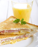 Sanduíche grelhado do presunto, do abacaxi e do queijo fotografia de stock