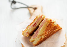 Sanduíche grelhado do queijo com presunto Imagem de Stock Royalty Free