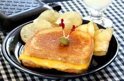 Sanduíche grelhado dourado do queijo Imagens de Stock