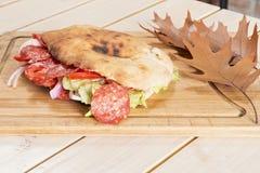 Sanduíche na tabela Fotos de Stock