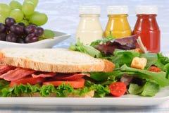Sanduíche orgânico de b.l.t Fotos de Stock