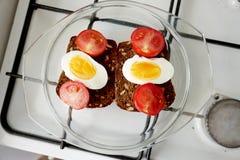 Sanduíche para o pequeno almoço Imagens de Stock