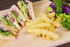 Sanduíche saboroso e batata Imagens de Stock