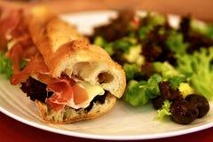 Sanduíche & salada Fotos de Stock