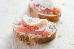Sanduíche Salmon Foto de Stock Royalty Free