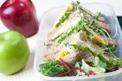 Sanduíche saudável do ovo para o almoço Fotos de Stock
