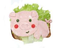 Sanduíche vegetal criativo com queijo e salsicha Imagem de Stock