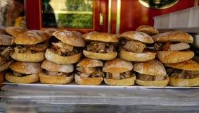 Sanduíches com carne de porco fotografia de stock royalty free