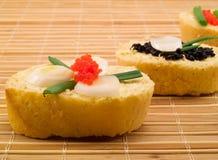 Sanduíches com caviar Imagens de Stock Royalty Free