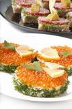 Sanduíches com caviar vermelho Fotos de Stock Royalty Free