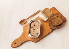 Sanduíches com fígado de bacalhau Fotografia de Stock Royalty Free