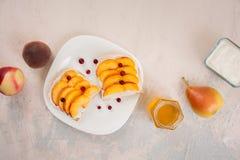 Sanduíches com pêssegos Foto de Stock