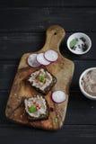 Sanduíches com pasta de fígado da galinha imagem de stock
