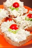 Sanduíches com queijo creme e aipo Fotos de Stock Royalty Free
