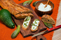 Sanduíches com ricota e abacate e alface Foto de Stock Royalty Free
