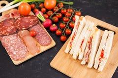 Sanduíches de clube com pão branco e salame Imagem de Stock Royalty Free