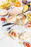Sanduíches do fruto com vinho Imagens de Stock Royalty Free