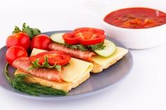 Sanduíches e molho Foto de Stock Royalty Free