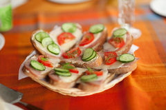 Sanduíches feitos a mão imagem de stock