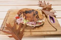 Sanduíches na tabela Fotografia de Stock