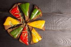 Sanduíches saborosos com pimenta de sino grelhada imagem de stock royalty free