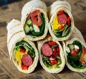 Sanduíches saudáveis do envoltório Fotografia de Stock Royalty Free