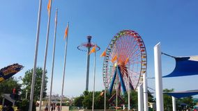 Sandusky, oh - cerca do junho de 2018 - uma roda de Ferris em Cedar Point Editorial usa-se somente vídeos de arquivo