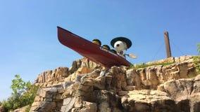 Sandusky, oh - circa im Juni 2018 - Cedar Point-Statuen von Snoopy von den Erdnüssen stock video