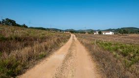 Sandväg i Algarve Arkivbilder