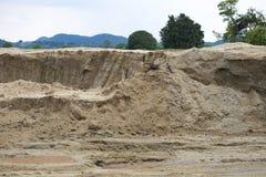 Sandvorrat und -speicher an geregnetem Tag Lizenzfreies Stockfoto