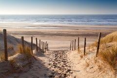 Sandweg zur Nordsee bei Sonnenuntergang stockfoto