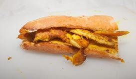 Sandwich à blanc de poulet de safran des indes Images stock