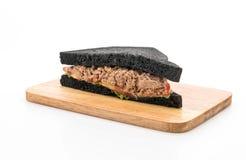 sandwich à charbon de bois de thon Images libres de droits