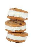 Sandwich à crême glacée de biscuit de puce de chocolat Image libre de droits
