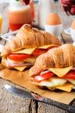 Sandwich à croissants Photos stock