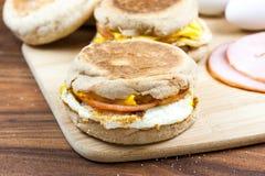 Sandwich à déjeuner de pain anglais Photo libre de droits