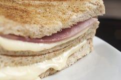 Sandwich à jambon et à fromage Photographie stock libre de droits