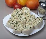 Sandwich à petit pain d'enveloppe de Piita avec du fromage et des légumes Photos libres de droits