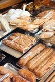 Sandwich à Spanich à la fenêtre de boutique Photographie stock libre de droits
