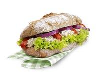 Sandwich à thon avec le chemin de coupure d'isolement sur le blanc Photographie stock