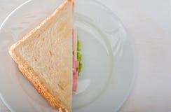 Sandwich auf Platte Stockbild